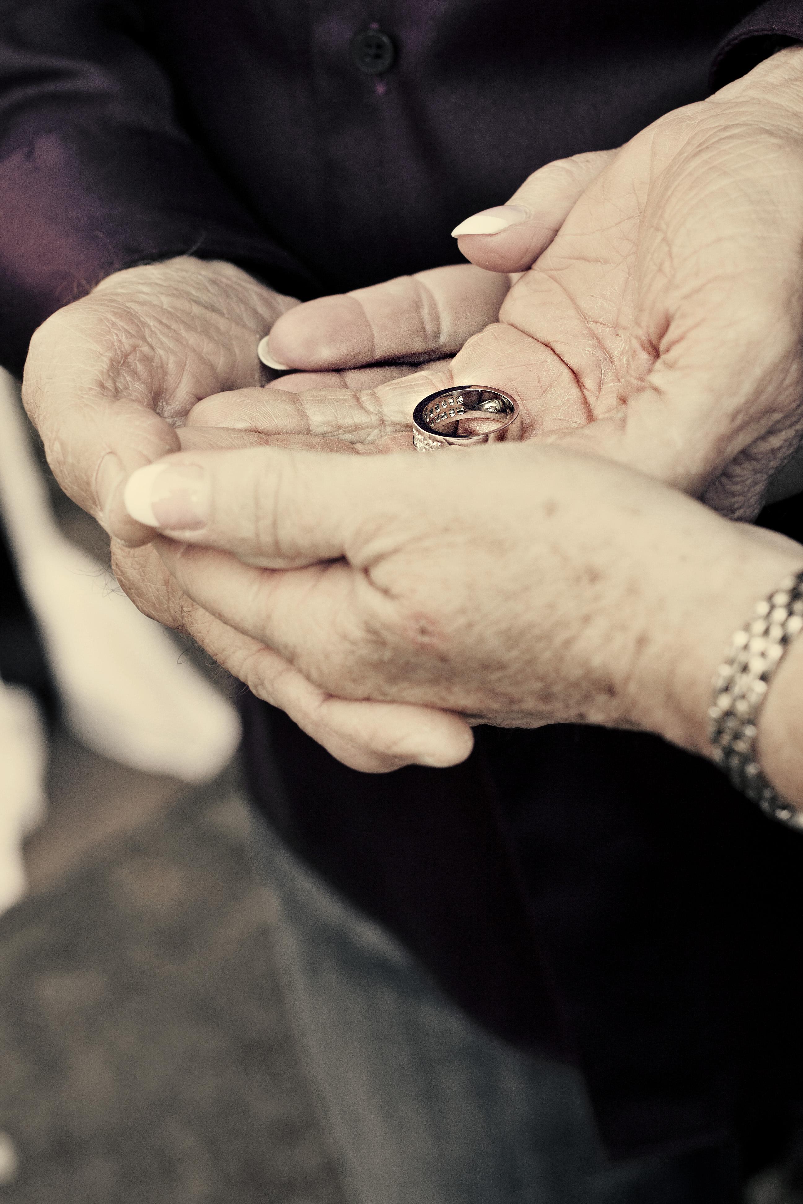 Humanist wedding outdoor non-religious birmingham west midlands celebrant